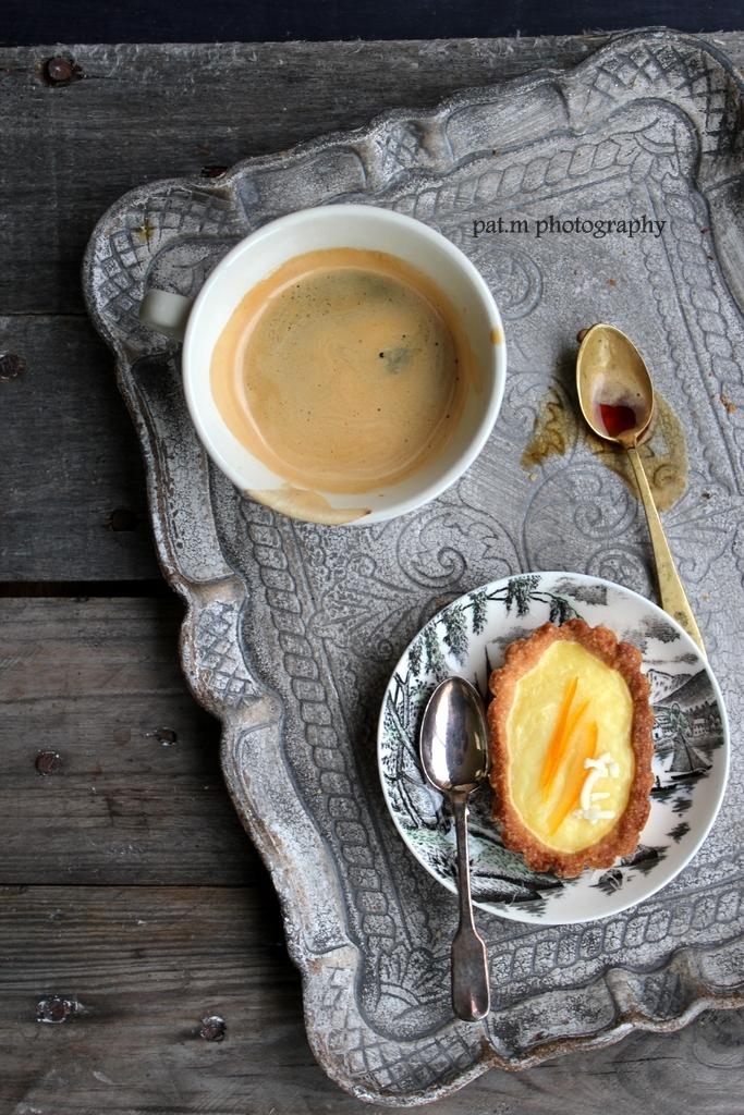 Tartellette crema all'arancia e cioccolato bianco