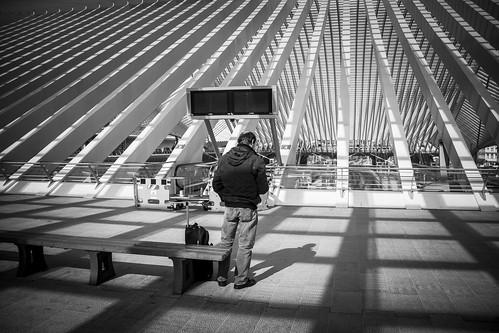 A Text Message From The Future (Gare de Liège-Guillemins, Belgique) - Photo : Gilderic