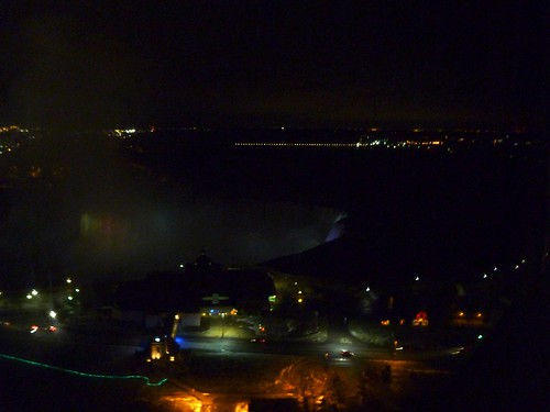 Horseshoe falls - night