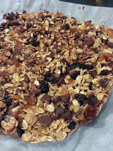 homemade mixed nuts and fruits granola by pipsyq