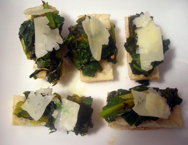 Crostini di bietoline (beet greens crostini)