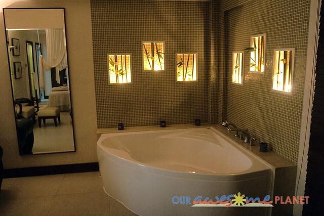 Taal Vista Hotel-70.jpg