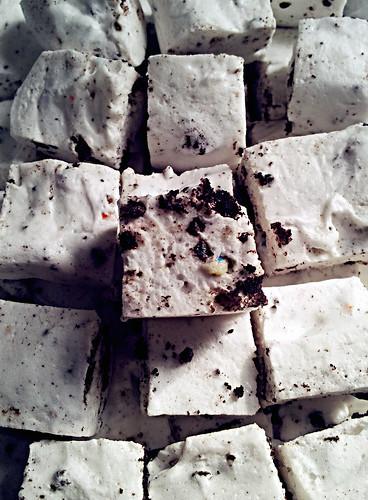 Cookies 'n cream marshmallows