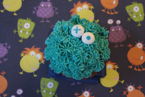 2012 10 Monster Cupcakes (6)