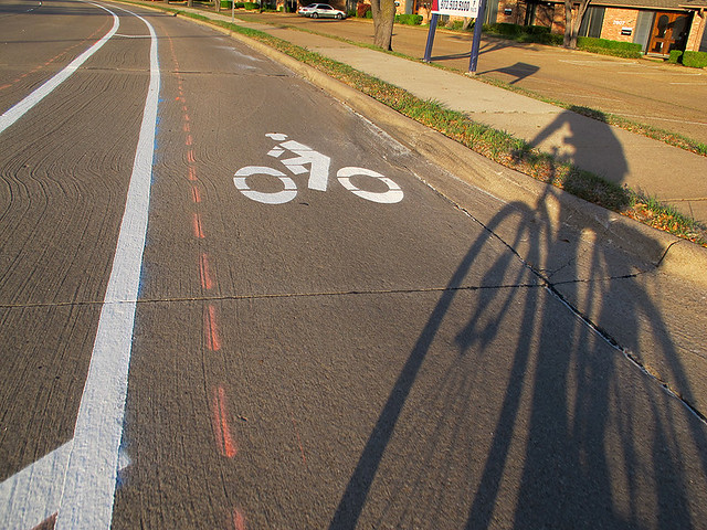 Bike Lane - Southbound Collins (north of Campbell)
