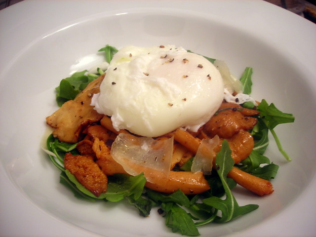 Hedgehog mushroom salad, with poached farm egg and pecorino Crotonese cheese