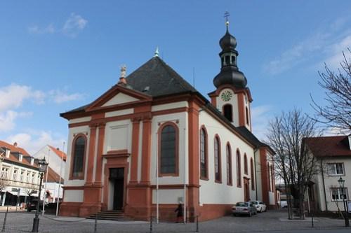 2013.03.09.338 - SCHWETZINGEN - Schloßstraße - Katholische Kirche St. Pankratius