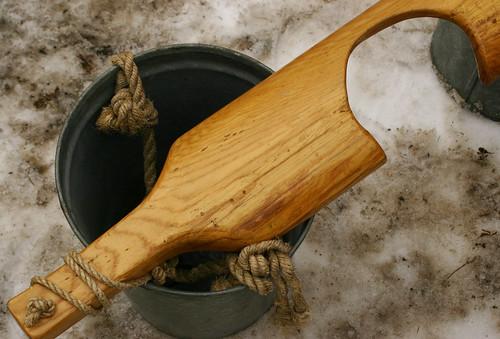 Yoke and metal pail
