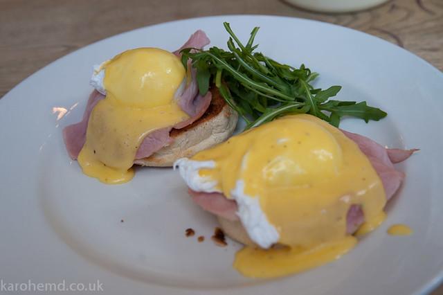 Eggs Benedict at The Hampshire Hog