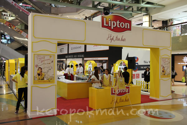 lipton pop-up high tea bar   plaza singapura