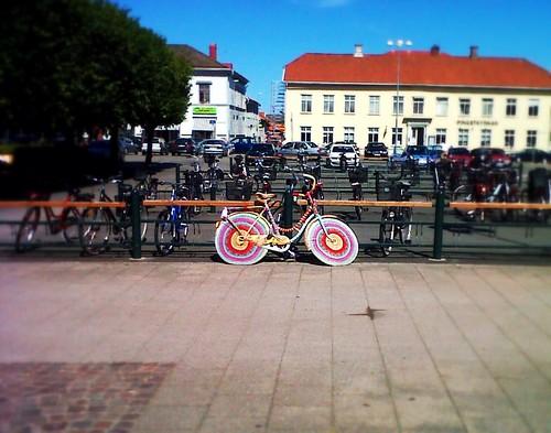 Urban knitting in Sweden by SpatzMe