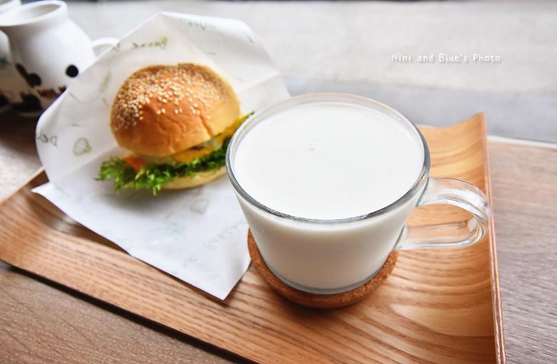 台中早午餐原三十木瓜牛奶14
