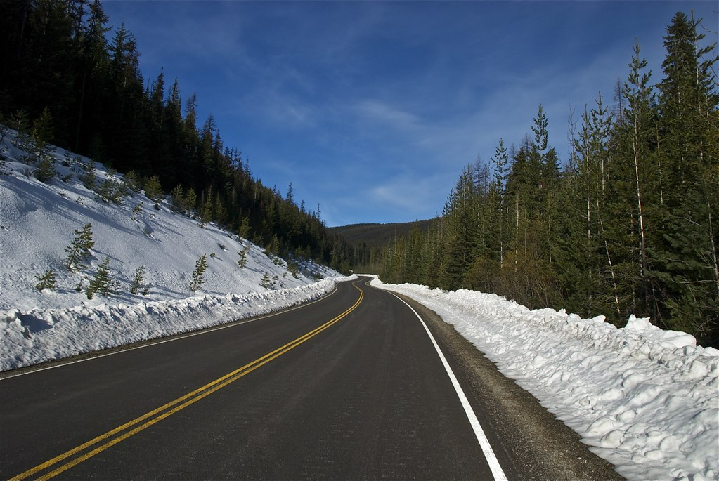 Road to Thompson Pass