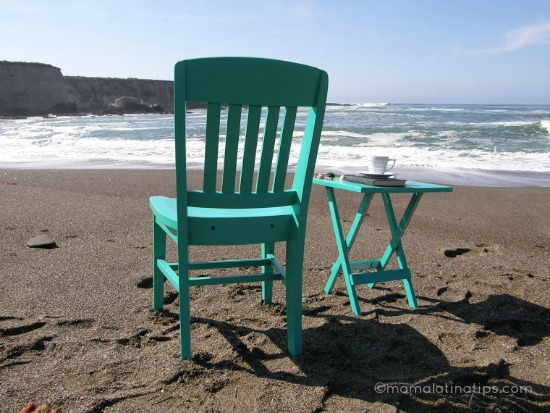 LCI Emerald_green_table_and_chair_2-picked