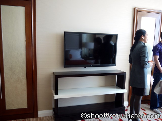 Solaire Resort and Casino- standard room-003