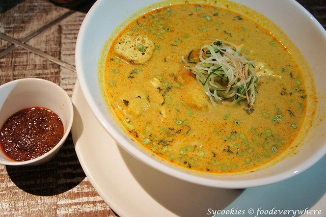 8.1.Curry laksa RM 24.90@ bens publika (1)