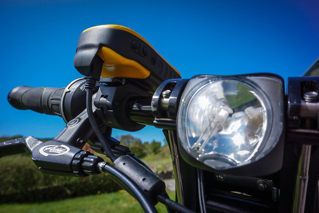 Tern Link P24h: Pedal-powered GPS & front light