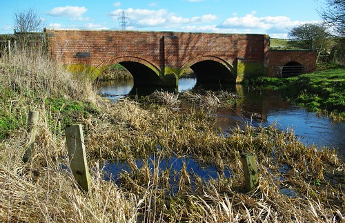 20120219-40_Infant River Avon + Bridge - Near Lilbourne by gary.hadden