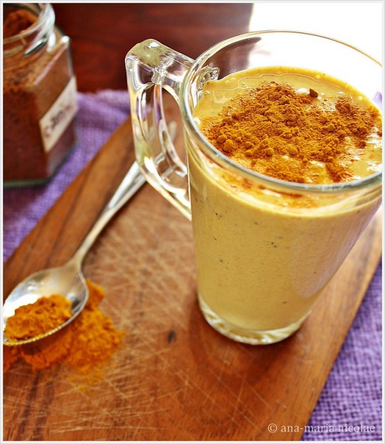 Lassi with turmeric & ginger