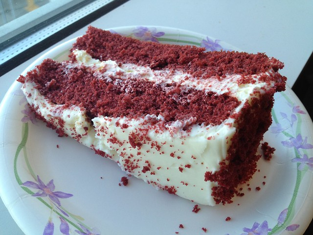 Red velvet cake - Costco