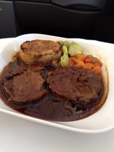 肉の煮込み的な@機内食