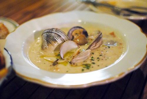 clam chowder farm-raised clams, neuske's bacon, weiser farms pee wee potatoes