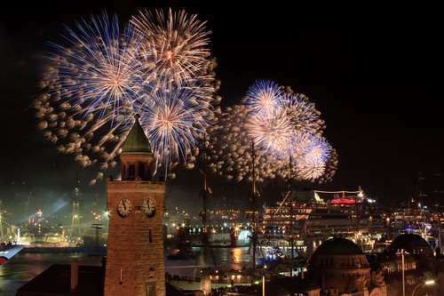 watch the fireworks 2