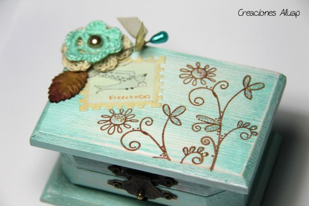 caja Rooky