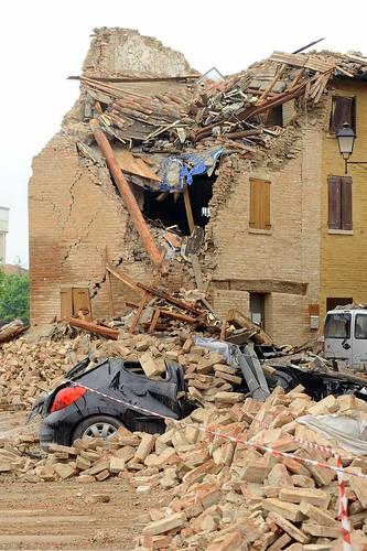 """Foto """"20 maggio 2012 - Il terremoto in Emilia Romagna"""" by """"Il Fatto Quotidiano"""" - flickr"""