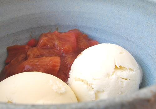 Frozen yogurt with rhubarb compote