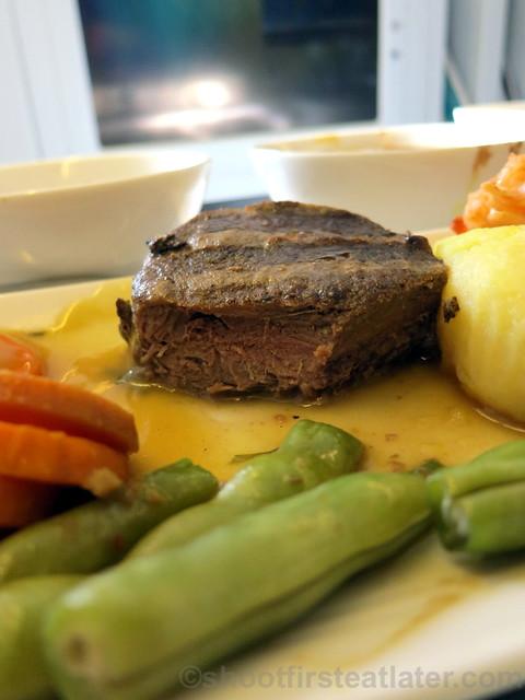 Philippine Airlines Business Class meal Mnl-Hkg-Mnl- beef tenderloin & prawn w: truffle bernaice sauce & cheddar croquette-002