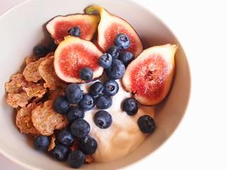 Breakfast: Spelt flakes, Greek yoghurt, Israeli figs, blueberries
