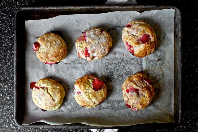 strawberry cream biscuits