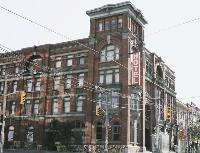 Gladstone Hotel