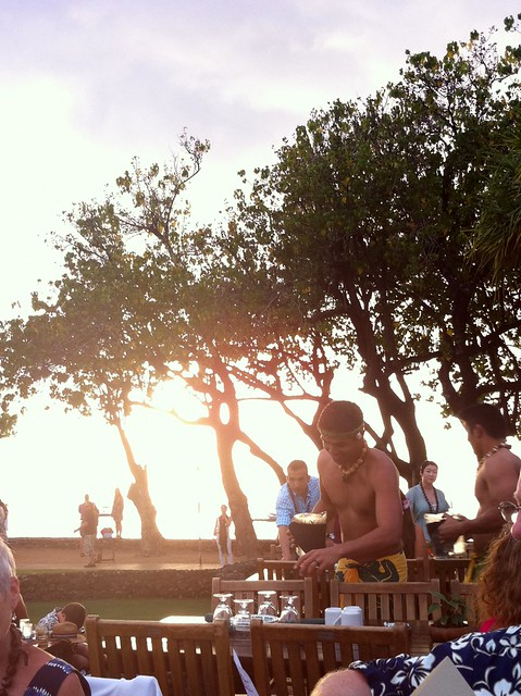 luau waiters