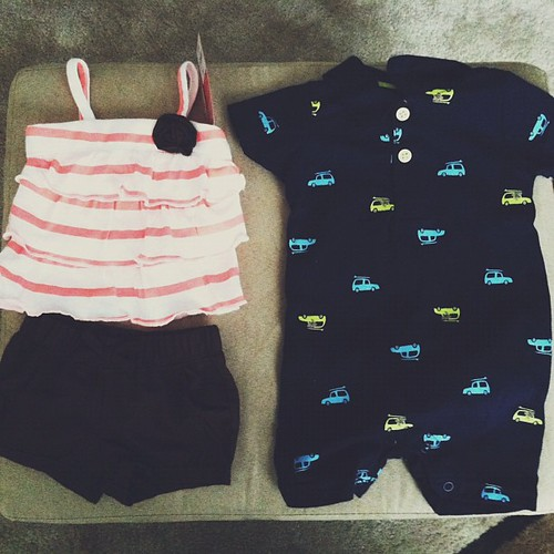 How cute are these outfits? #vscocam #hickstwins