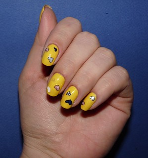 Rimmel 60 sec '450 Sunny days' + Essence Nail stickers