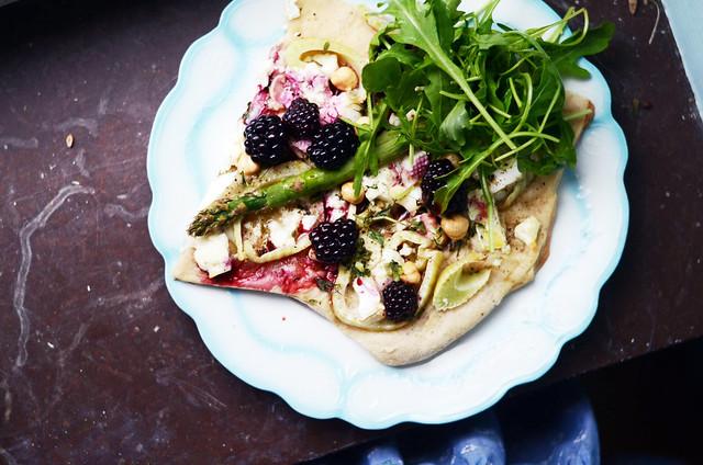 blackberry pizza and dessert - Elsa Billgren