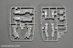 1-200 RX-78-2 Nissin Cup Gunpla 2011 OOTB Unboxing Review (18)