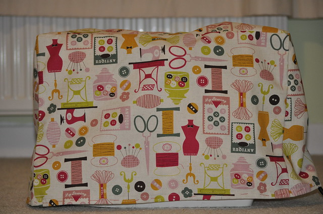 Sewing machine cover 02