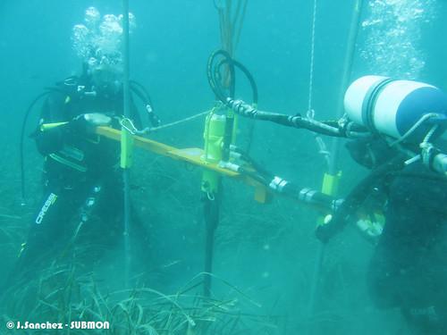 Instal·lació d'un fondeig Narval amb maquinària hidràulica