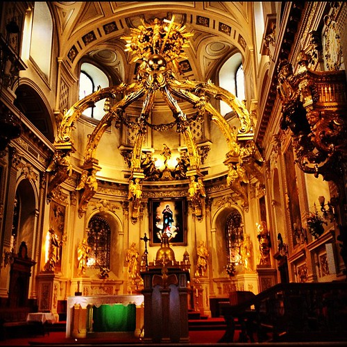 Inside the Notre-Dame de Quebec Basilica Carhedral