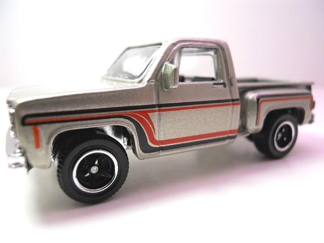 matchbox '73 chevy stepside pickup (2)