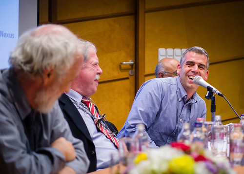 Plenary session 4 'Urbanization and poverty' - Photo credits http://www.vegeldaniel.com