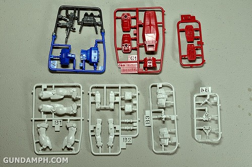 1-200 RX-78-2 Nissin Cup Gunpla 2011 OOTB Unboxing Review (16)