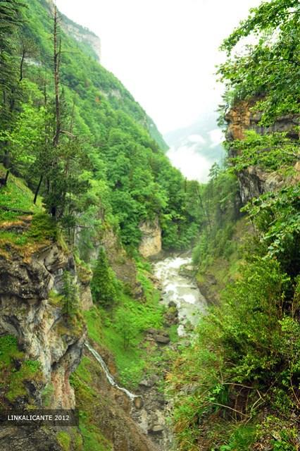 Cascadas de la Cueva y el Estrecho