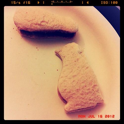 365: penguin sammitches! #pbj #project366 #finalcountdown #food