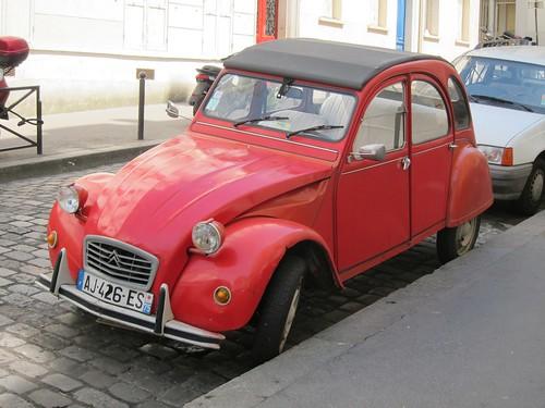 Paris to ban older cars  (1/6)