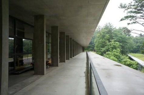 国際芸術センター青森・ACAC