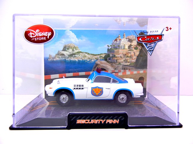 disney store cars 2 security finn (1)
